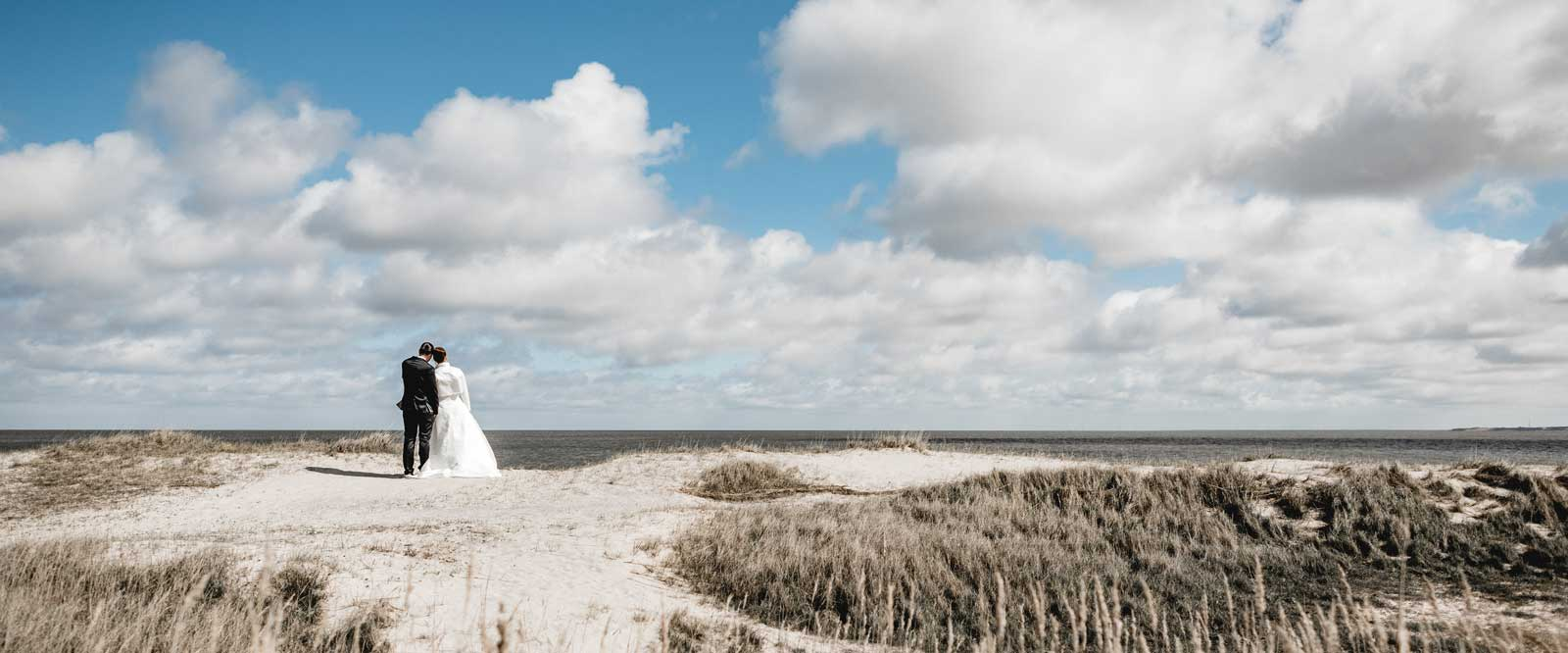 Slider mit Brautpaar am Strand von Sylt an der Nordsee